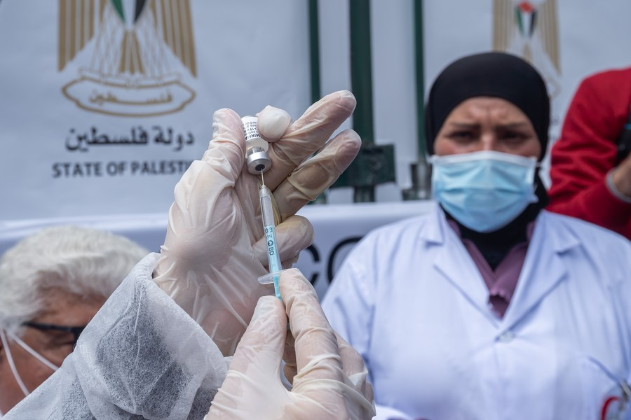 الصحة في فلسطين: وفاتان و395 إصابة جديدة بفيروس (كورونا)