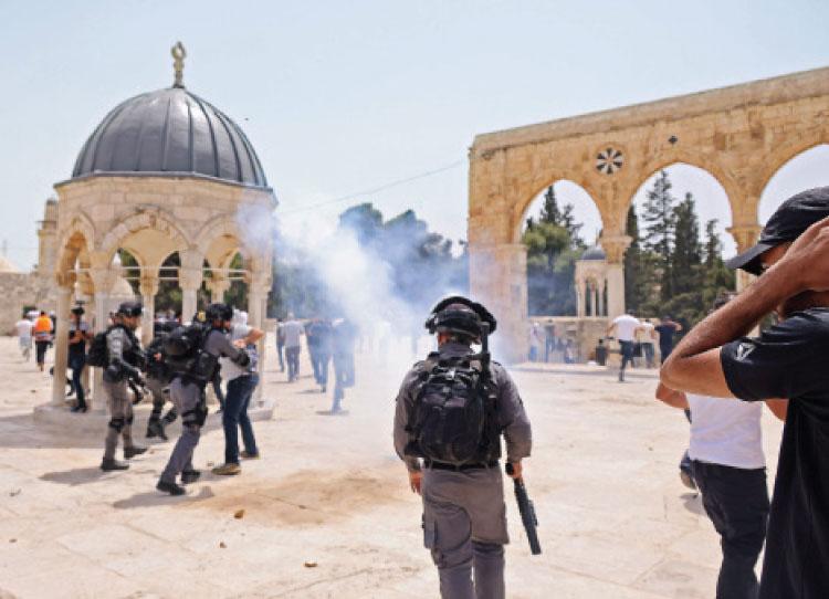 الأردن يدين اعتداء شرطة الاحتلال على المصلين في المسجد الأقصى